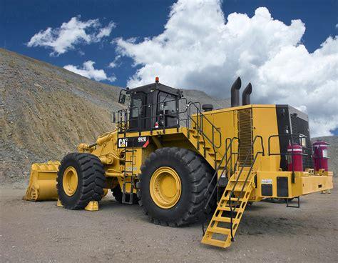 cat intros  loader  wheel dozer  improved design hydraulics  fuel boost