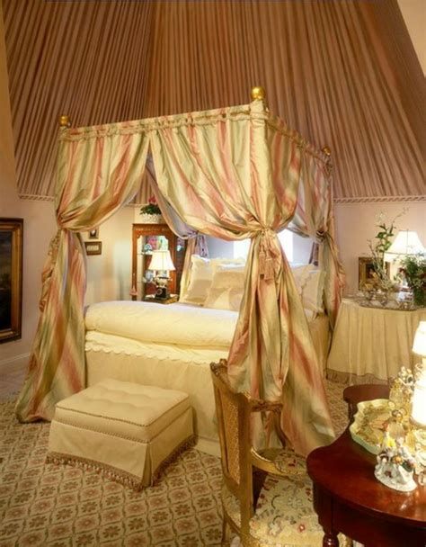 ideas for canopy bed curtains 15 amazing canopy bed curtains design ideas rilane