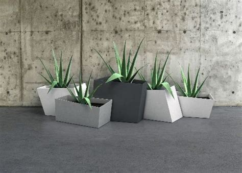 Office Planter Boxes by 108 Best Images About Pots Planter Boxes On