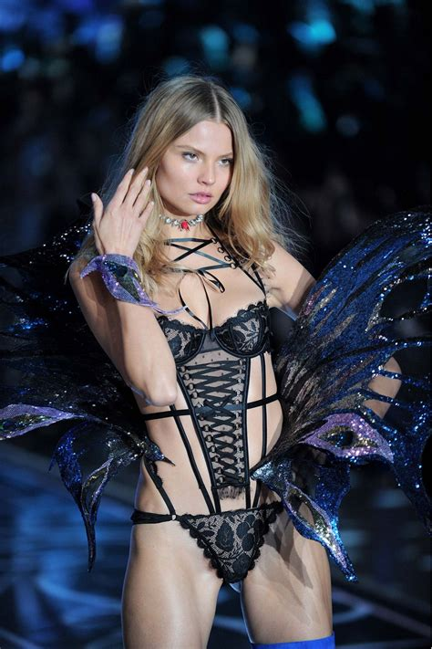 victoria s magdalena frackowiak at victoria s secret 2015 fashion