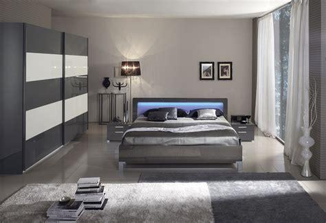 pareti da letto grigio perla tende per finestre da interno