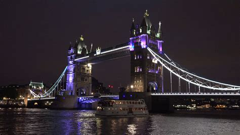 river boat tower bridge 4k tower bridge london night ships boats cruise thames