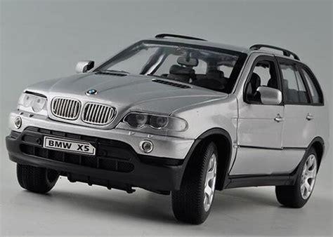 Bmw X5 Putih Skala 1 24 Welly Diecast Miniatur silver black 1 18 scale welly diecast bmw x5 suv model