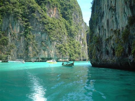 travel  world  romantic honeymoon destinations