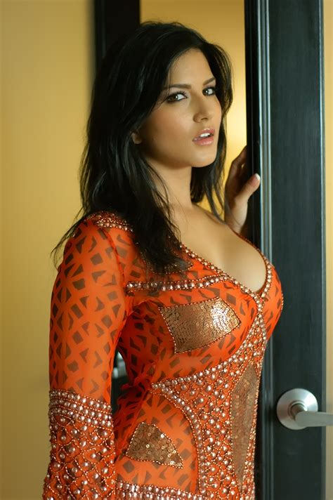 biography in hindi of sunny leone sunny leone wallpapers as a bollywood actress sunny leone
