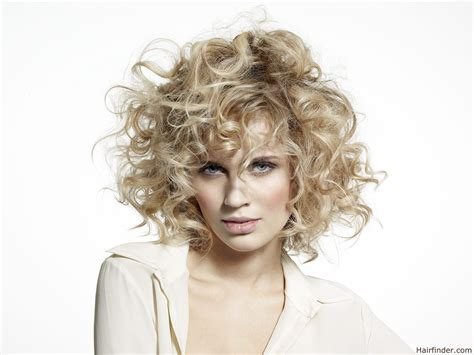 The Hairstyler by Medium Hair With Large Size Curls