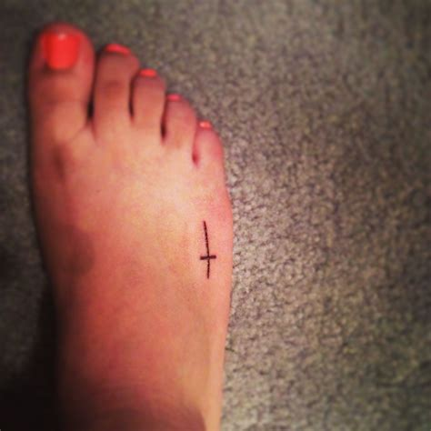 cross tattoo on foot simple cross foot tattoos cross