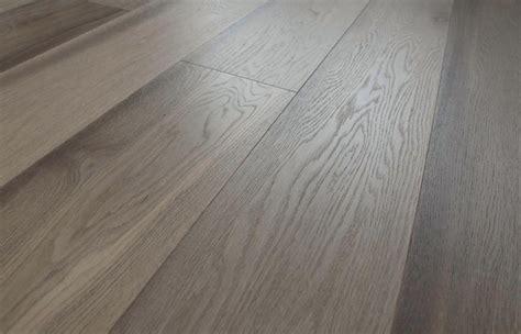 pavimento in rovere parquet rovere grigio spazzolato prefinito anticato natura