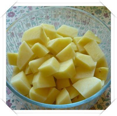 cucinare patate lesse cucina a microonde ecco tutto quello da sapere