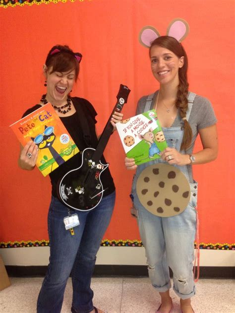 book character dress  day pete  cat    give