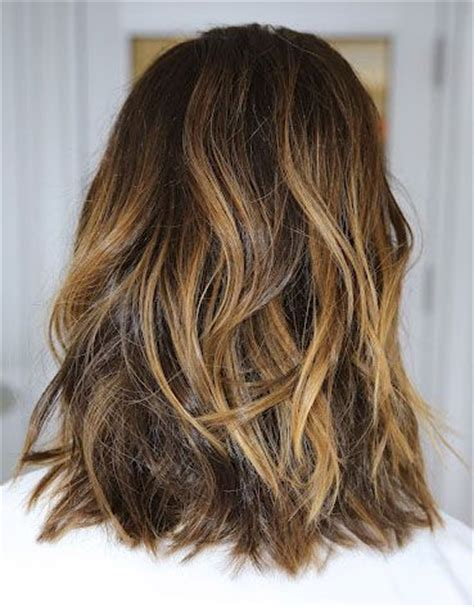 medium length highlighted hairstyles medium length brown hair with caramel highlights google