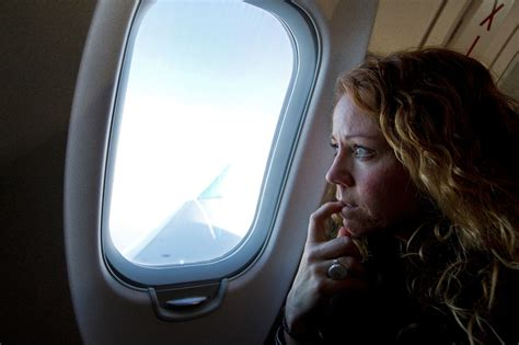 how to get window seat in flight why you don t want to sit in an aisle seat on a flight