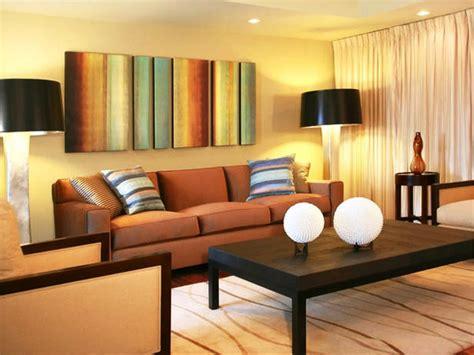kombinasi membuat warna coklat jadikan ruang tamu indah estetik dengan warna cat ruang