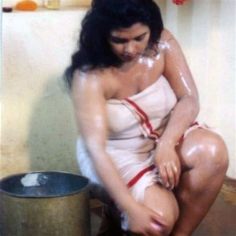 sex videos at bathroom south indian girls in towel bathing dress very rare pictures