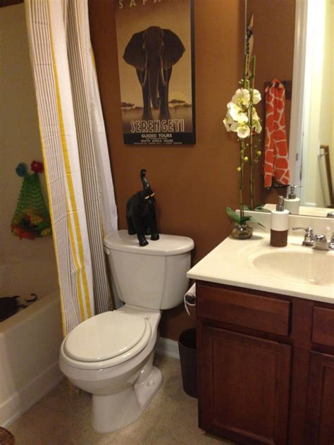safari themed bathroom decor best 25 safari bathroom ideas on pinterest