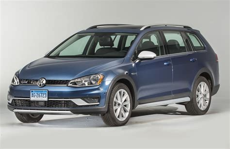 Volkswagen Vs Subaru by Subaru Outback Vs Volkswagen Golf Alltrack Consumer Reports