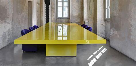 tavolo per studio scrivania di design per una scelta di stile