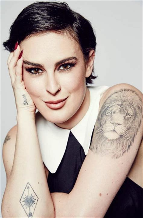 rumer willis tattoo rumer willis with beautiful tattoos zimbio