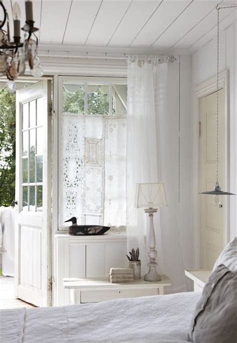 peeping in bedroom 25 best ideas about lace bedroom on pinterest lace