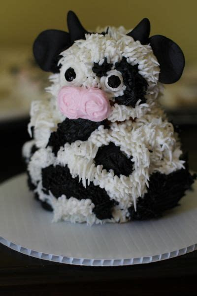 ideas   cupcakes  pinterest barnyard cupcakes farm animal cupcakes   face