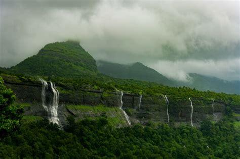 exciting places  visit  monsoon  maharashtra