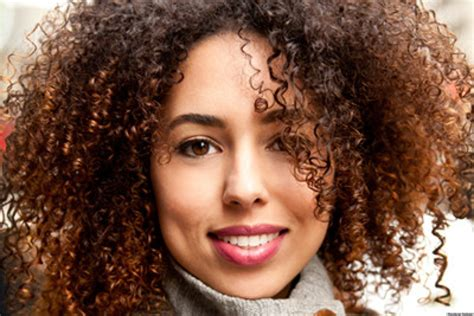 curly hair linette torres certified bra fitter shares naturally