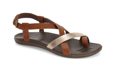 best travel sandals 19 comfy travel friendly shoes made for walking travel