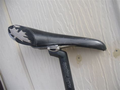 best mountain bike saddle how to choose the best mountain bike saddle singletracks