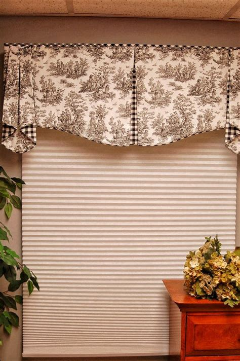 Brown Valance For Windows Ideas 25 Best Ideas About Window Valances On Pinterest Valance Ideas Window Valances Cornices