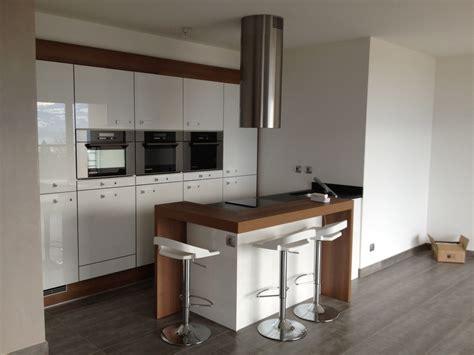 cuisine 駲uip馥 petit espace cuisine petit espace par woodworker74 sur l air du bois