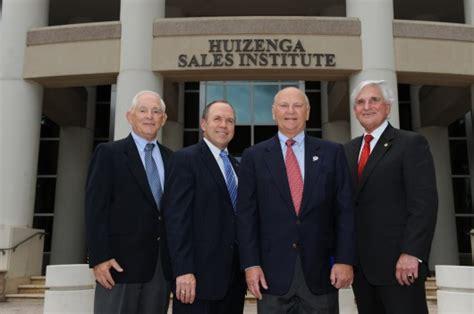 Nsu Mba Program by H Wayne Huizenga Makes Major Gift To New Sales Institute