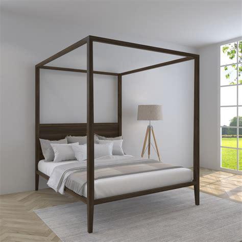 letto a baldacchino in legno letto a baldacchino con testata in legno