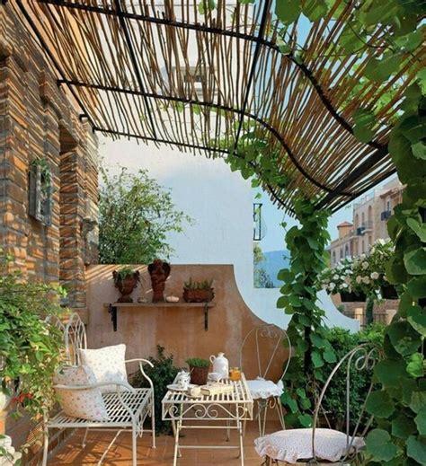 sichtschutzwand terrasse sichtschutz f 252 r terrasse und balkon drau 223 en versteckt