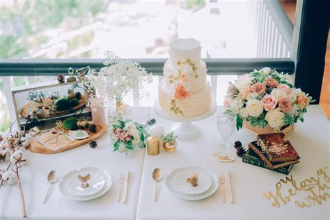 wedding table decoration singapore customising wedding cakes with winifred krist 233 cake singaporebrides
