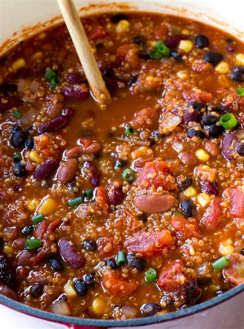 meatless doesn t tasteless 30 watering vegetarian chili recipes that are soy soy books tasty vegetarian quinoa chili recipe is sure to