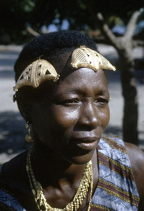 Headdress Of The Sleeper by 193 Best Images About And Culture On Africa Headdress And Glass