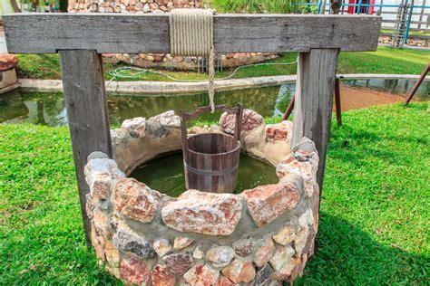 pozzo da giardino utile e decorativo cosa c 232 da sapere