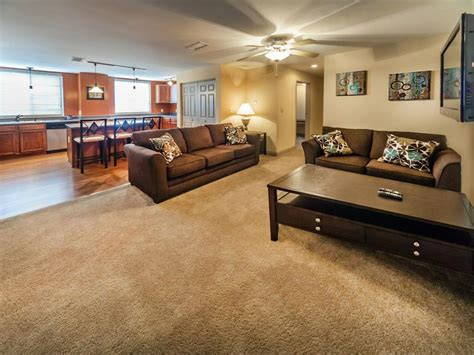 4 bedroom apartments bloomington in smallwood plaza apartments 455 n college ave