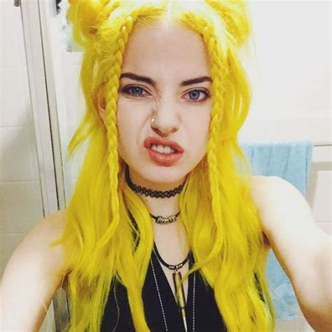 Craziest Claim Of The Week Fur Is Green by Yellow Hair On