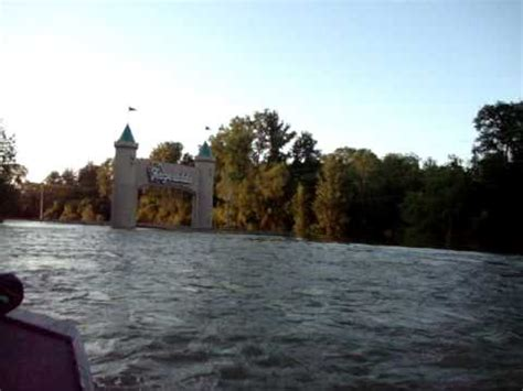 casino boat ride tunica flood boat ride 2 youtube