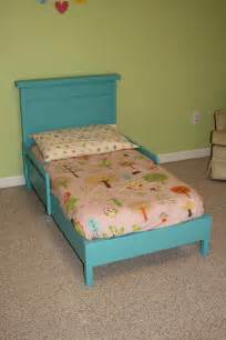 Toddler Bed Incl Mattress White Traditional Toddler Bed With Rustic Headboard