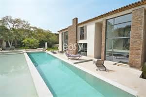 louer une villa moderne avec piscine pour photos tournages