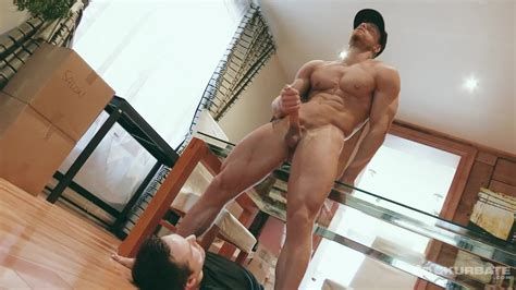 Maskurbate Str8 Hung Canadian Mover Strokes His Big Dick