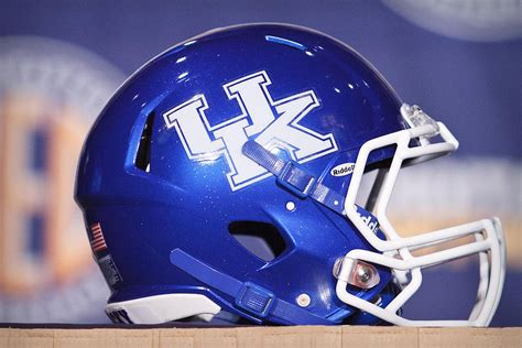 of kentucky colors how kentucky s colors became blue and white