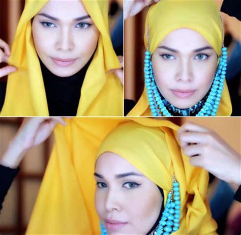 tutorial hijab ala wanita arab tutorial hijab dengan kalung terinspirasi gaya putri arab