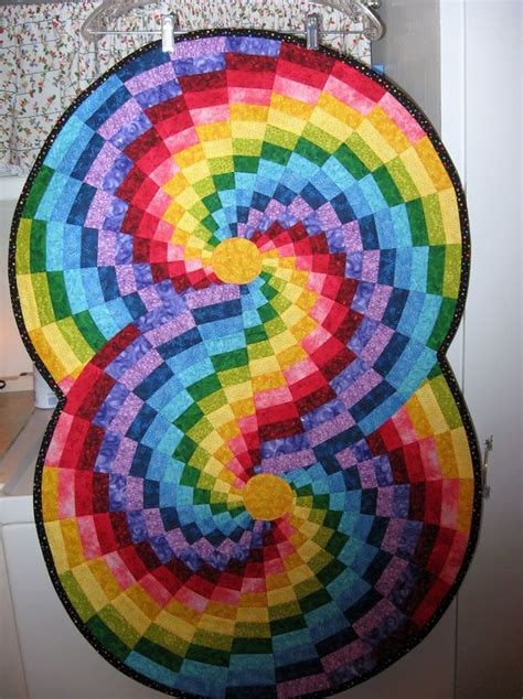 round round round round rounding and star quilts finished bargello color wheel table runner