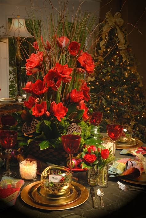 stunning round table setting 50 stunning christmas tablescapes style estate