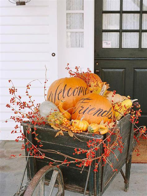 fall outdoor decorating 2012 ideas modern furnituree - Outdoor Fall Decoration Ideas