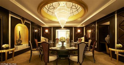 17 extravagant must experience hotel suites informant daily inside the world s highest suspended hotel suite at the st