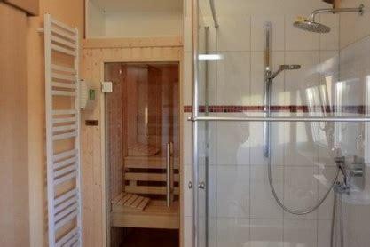 sauna für wohnung badezimmer kleine sauna im badezimmer kleine sauna im or